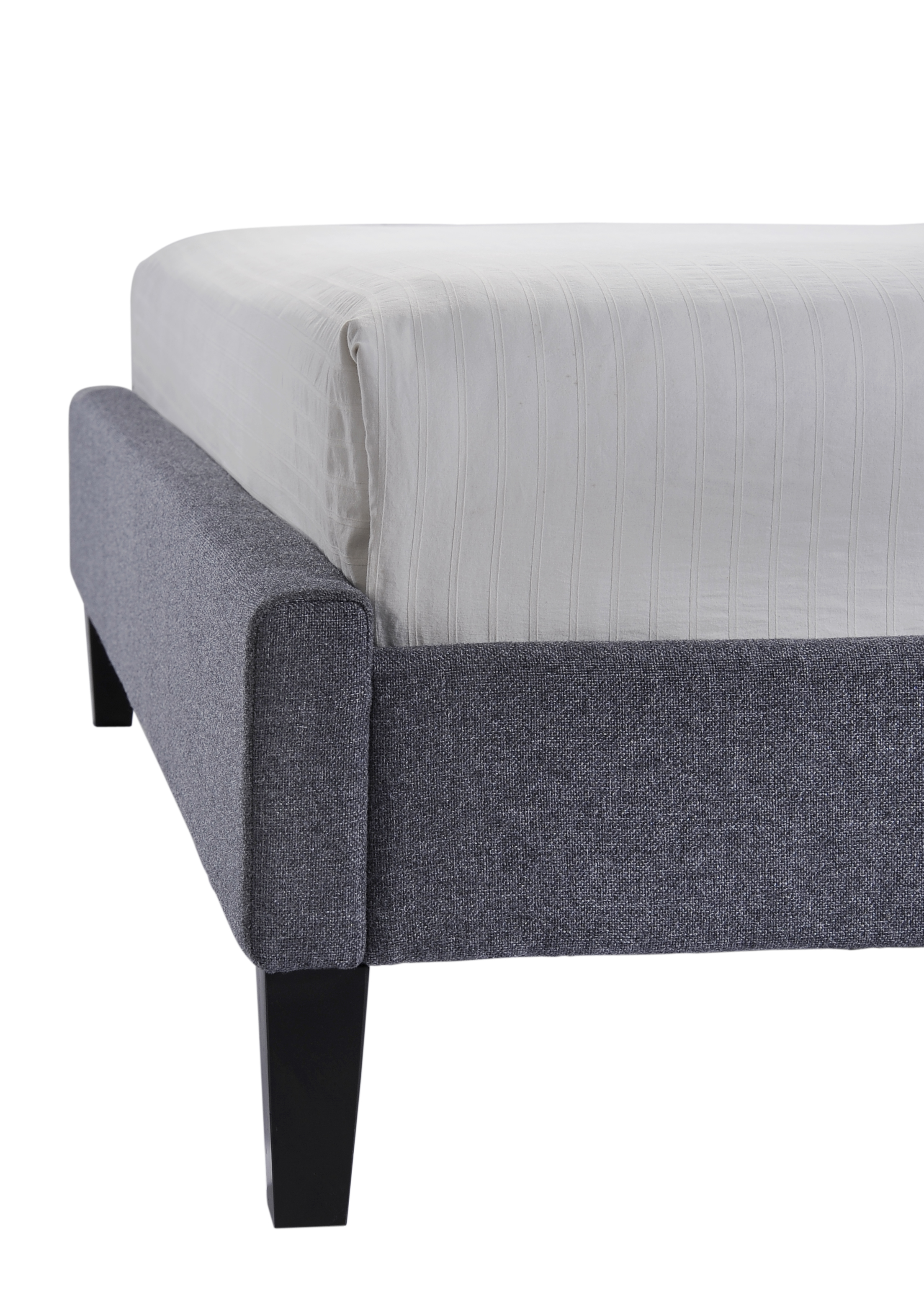 Hermosa Queen-Size Tufted Upholstered Platform